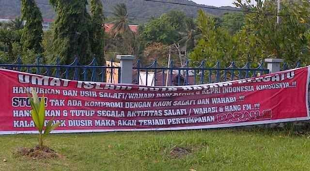 Spanduk anti takfiri Batam