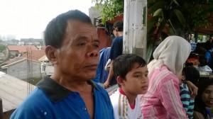 Pak Tehot (60), warga kampung Rawa Sepat, Cililitan Kecil, Jakarta Timur