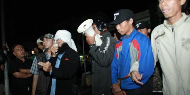 Suporter ISIS Indonesia Tuntut Pembebasan AA