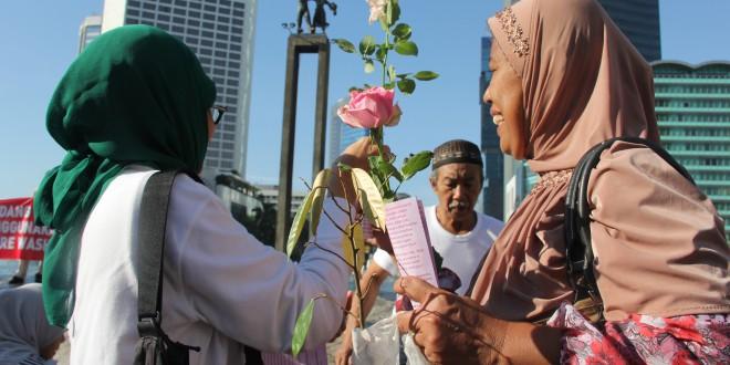 Bagi-Bagi Bunga ABI Meriahkan Ultah Putri Nabi