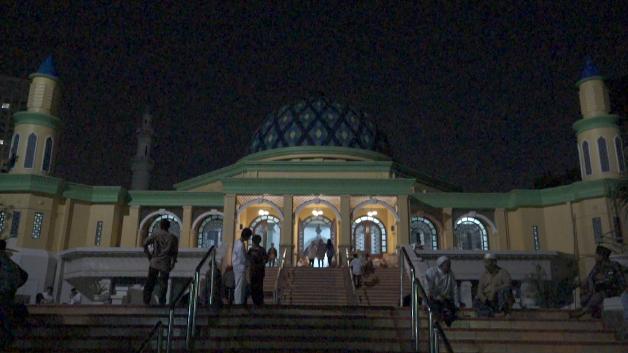 Masjid Al-Bina, Gelora Bung Karno
