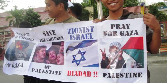 Aksi Aktivis Sulawesi Tengah Galang Dana untuk Gaza