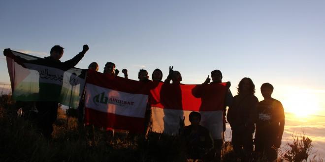 PAPALA Taklukkan Gunung Sindoro