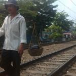 Kasito Menjual Cobek di Jakarta