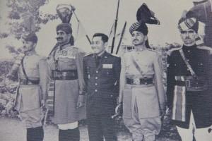 Jederal A. Yani (tiga dari kiri)