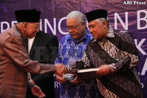 sambutan Ketua Umum Majelis Ulama Indonesia, Dien Syamsudin dalam peluncuran buku Kapita Selekta Mozaik Islam, karya Prof. Dr. Umar Shihab