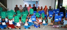 DPW ABI Sulawesi Tengah Kembali Bagikan Tas Sekolah dan Buku Tulis