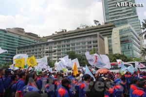 Unjuk Rasa Serikat Buruh