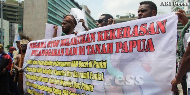 Aksi Koalisi Peduli HAM Papua Tuntut Keadilan di Bundaran HI