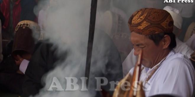 Nyangku: Merawat Tradisi, Introspeksi Diri