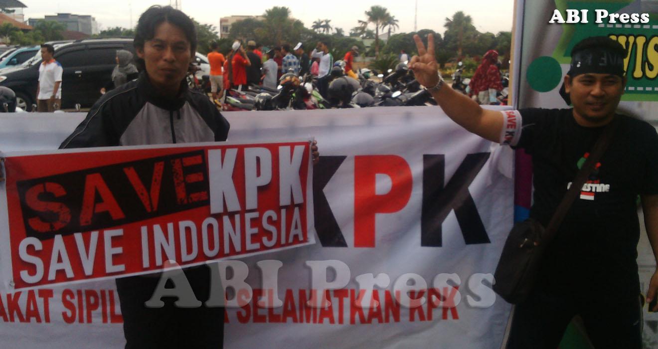 Aksi Solidaritas Masyarakat Sipil Kalbar Dukung KPK