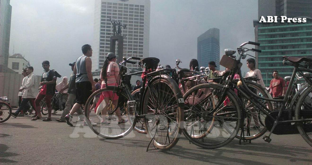 Sepeda Onthel Masih Eksis di Jakarta