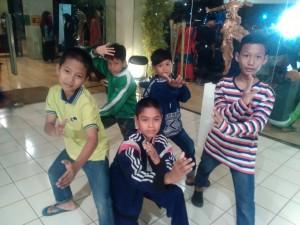 Anak-anak pencinta Pencak Silat