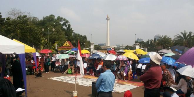 Aksi Kebaktian Ke 100 Di Depan Istana Negara