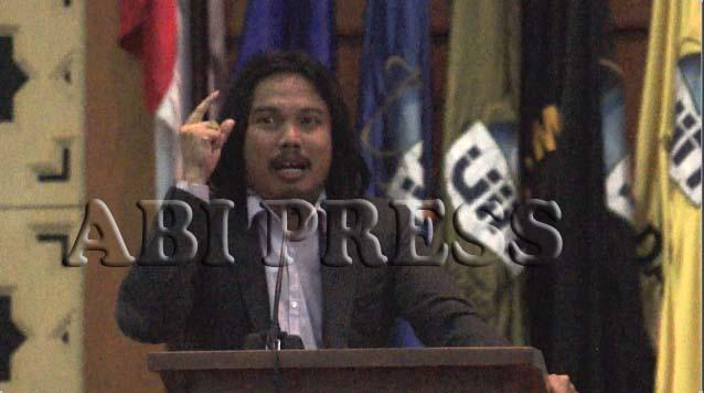 Syafiq Hasyim : Menanggulangi Paham Radikal