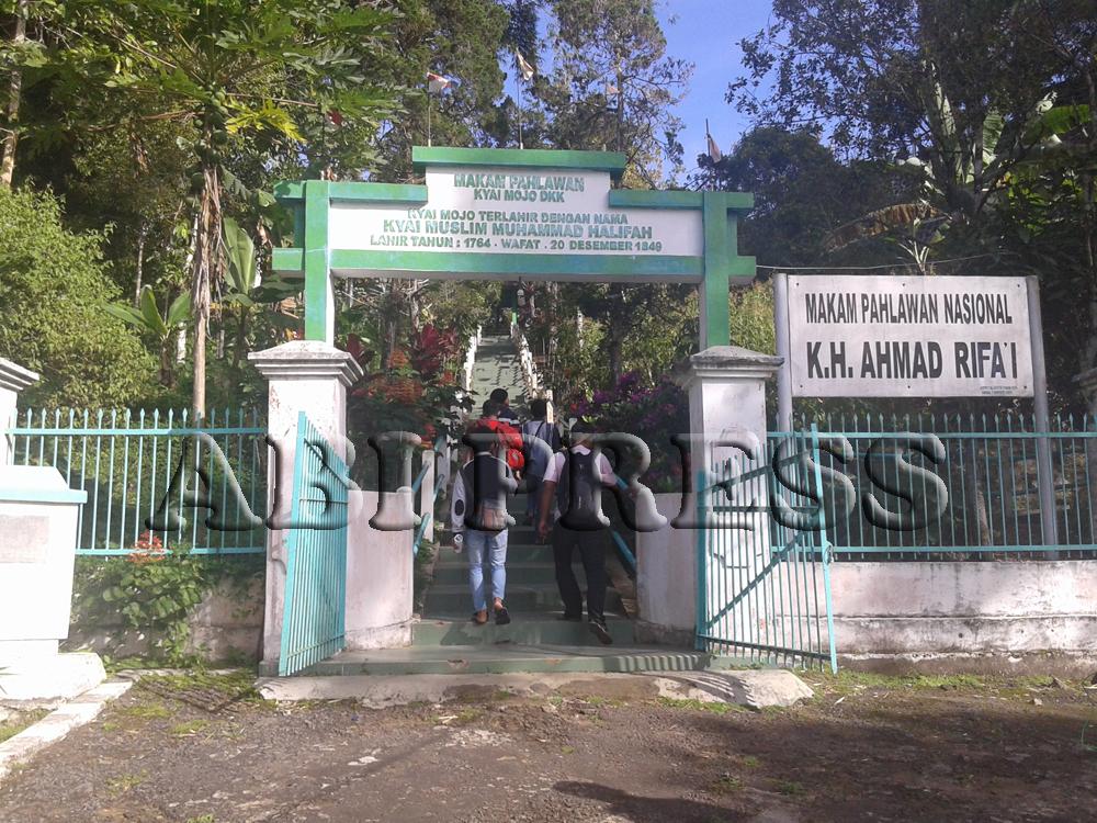 Makam Unik Kyai Mojo di Kampung JATON (Jawa-Tondano)
