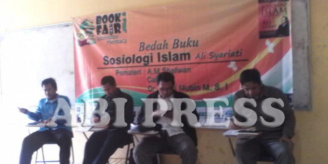 HMI Wonosobo Bedah Buku Ali Syariati