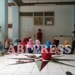 Sampai Kapan Pengungsian Menjadi Tempat Sekolah Anak-Anak Sampang?