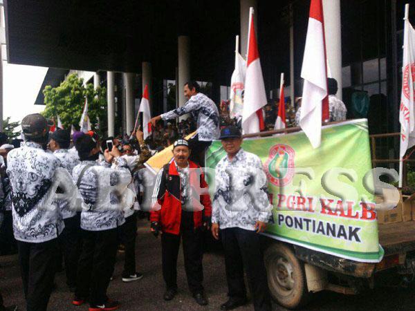 Aksi Damai PGRI se-Kalbar Tuntut Dana BOS Segera Cair Sebelum Lebaran