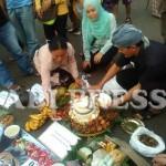 Tumpeng Petani Kendeng di Ultah Jokowi