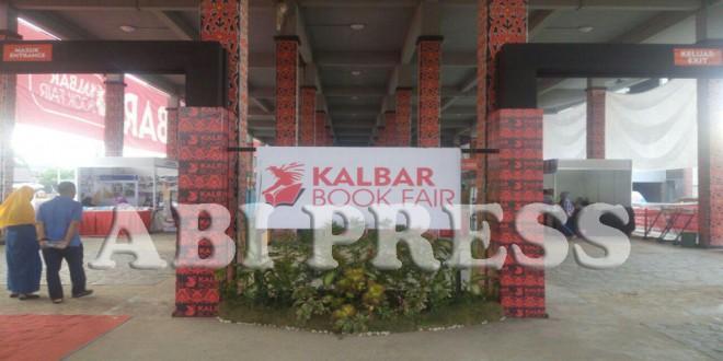 Kalbar Booking Fair Jual Aneka Buku Murah