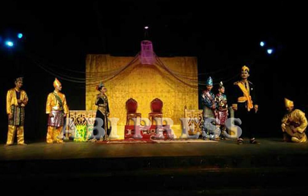 Pementasan Teater Panglima Akbar: Upaya Pelestarian Kesenian Mendu dan Apresiasi terhadap Seniman Melayu