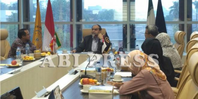Prof. Hasan Rahim Pour: Cegah Hegemoni Musuh Islam dengan Persatuan dan Berpegang pada Alquran-Hadis