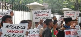 Aksi Massa Tuntut Bebaskan Tahanan Palestina