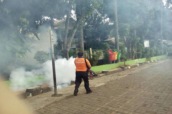 Aksi Fogging ABI Rescue di Rawajati, Jakarta Selatan