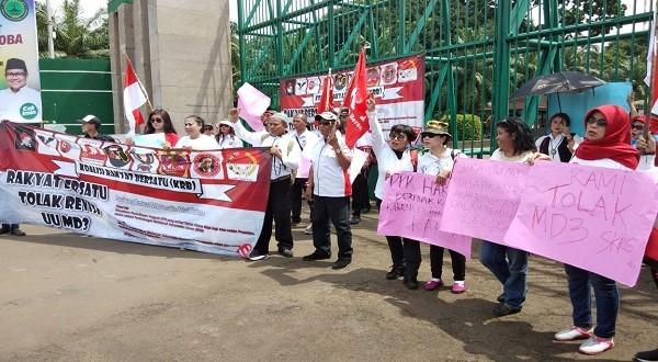 Aksi Massa Tolak Revisi UU MD3