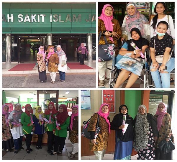 Membagikan bunga di Rumah Sakit Islam Jakarta, Kamis 8 Maret 2018