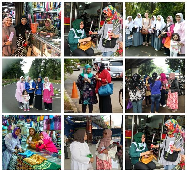 Majelis Taklim Al-Mubarokah membagikan bunga di Pasar Tebet, Pondok Kelapa dan Bogor, Kamis 8 Maret 2018.