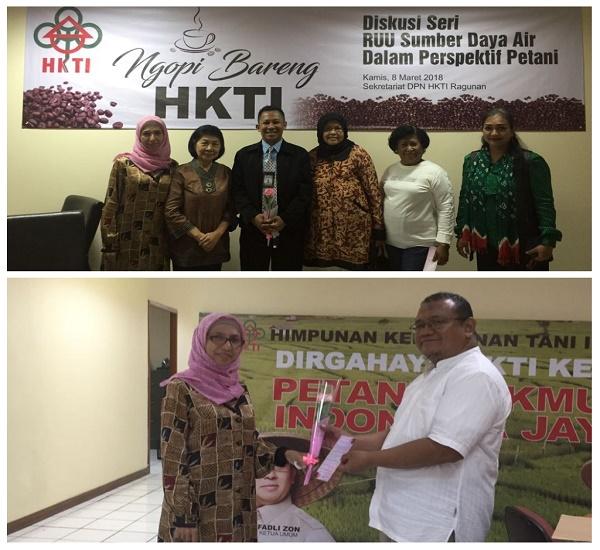 Membagikan bunga di Sekretariat DPN HKTI, Ragunan Jakarta 8 Maret 2018