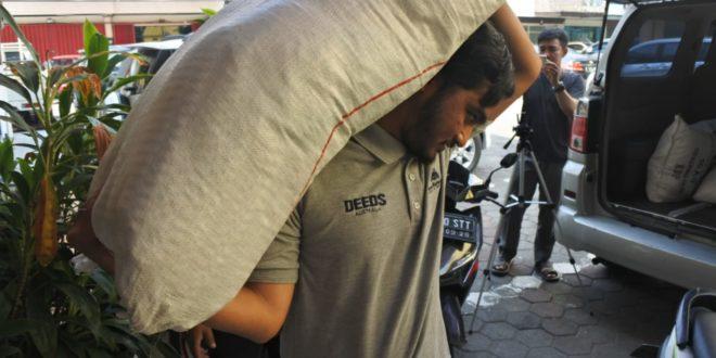 DPP ABI Salurkan Bantuan ke Posko Relawan ABI NTB