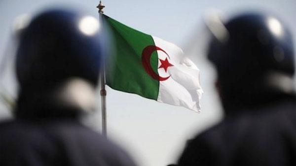 Aljazair Usulkan Aturan Larangan Promosi Normalisasi dengan Zionis