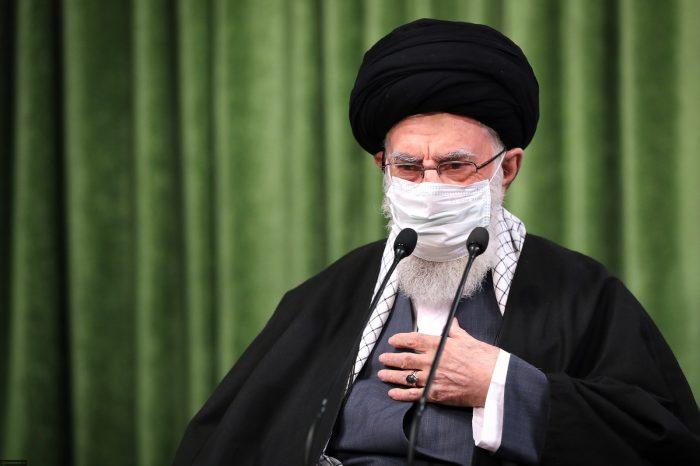 Imam Ali Khamenei: Islam Menghormati Perempuan, Barat Menjadikannya Objek