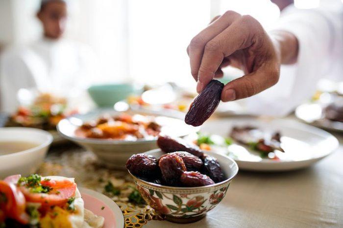Memperhatikan Makanan Sahur dan Berbuka Puasa