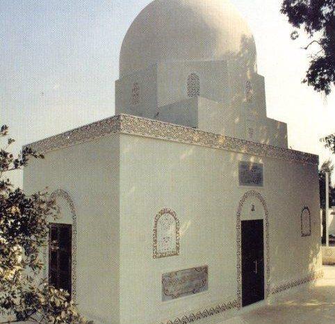Malik Asytar dan Orang Bodoh