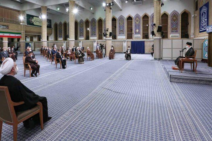 Imam Ali Khamenei: Klaim Barat Pembela HAM, Konyol